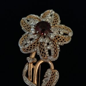 1970's Lacy Rhinestone Flower Brooch